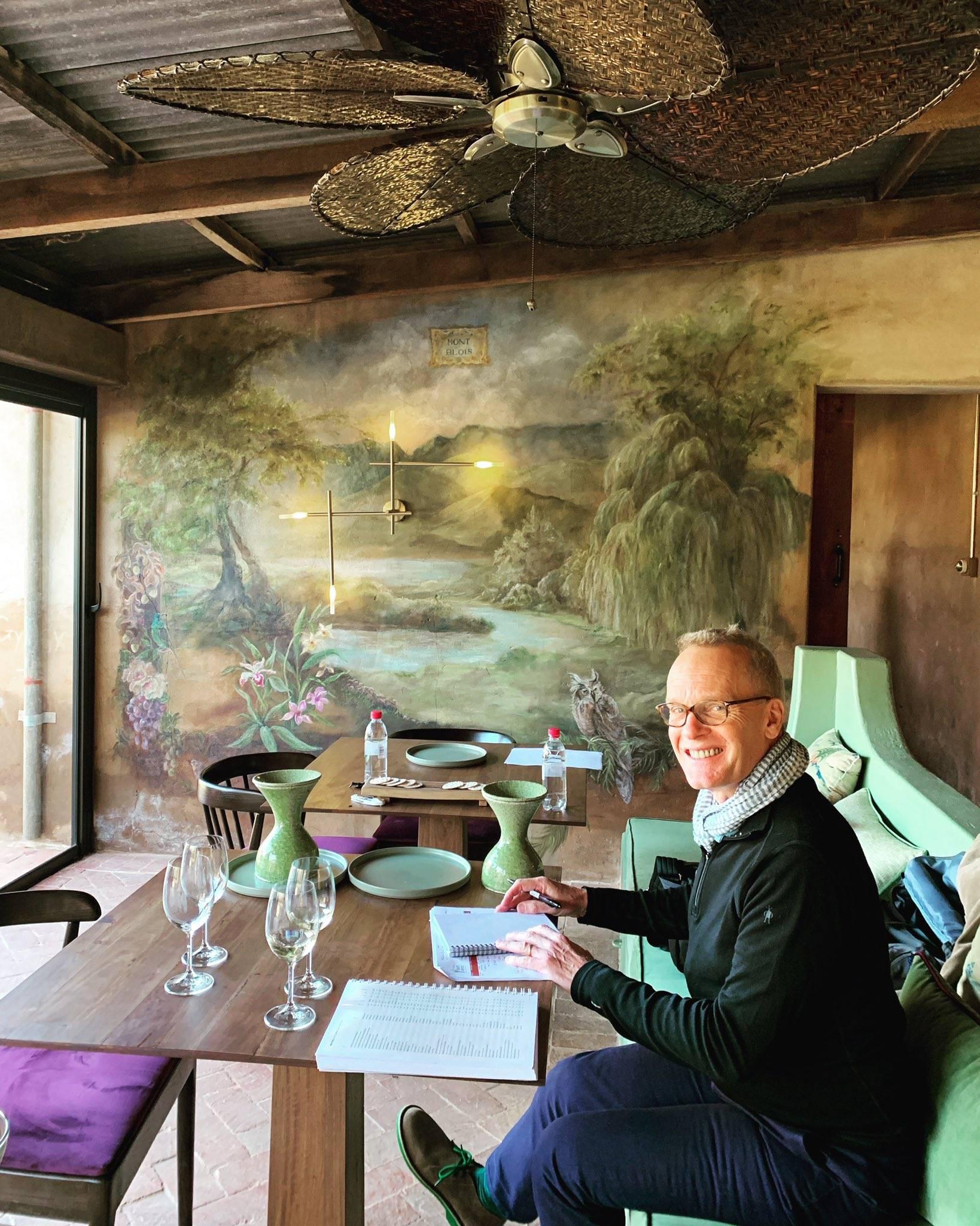 Tim Atkin proeft Mont Blois wijnen